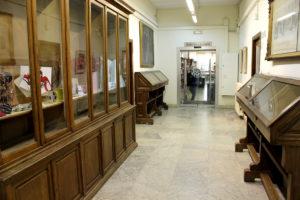 Pasillo facultad de Bellas Artes UCM