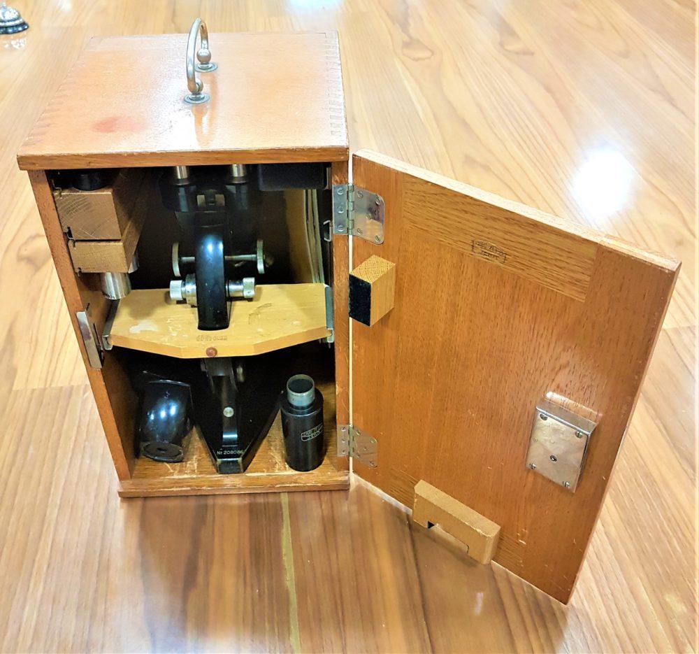 Microscopio binocular Carl Zeiss caja